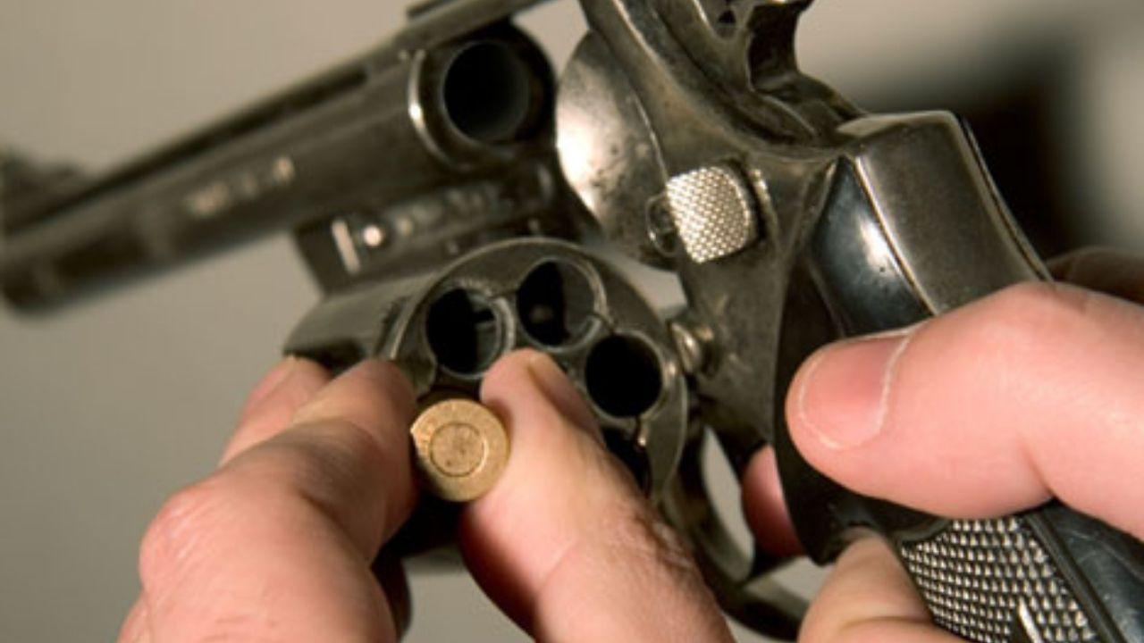 Joven hondureño muere jugando la famosa ruleta rusa en Choloma
