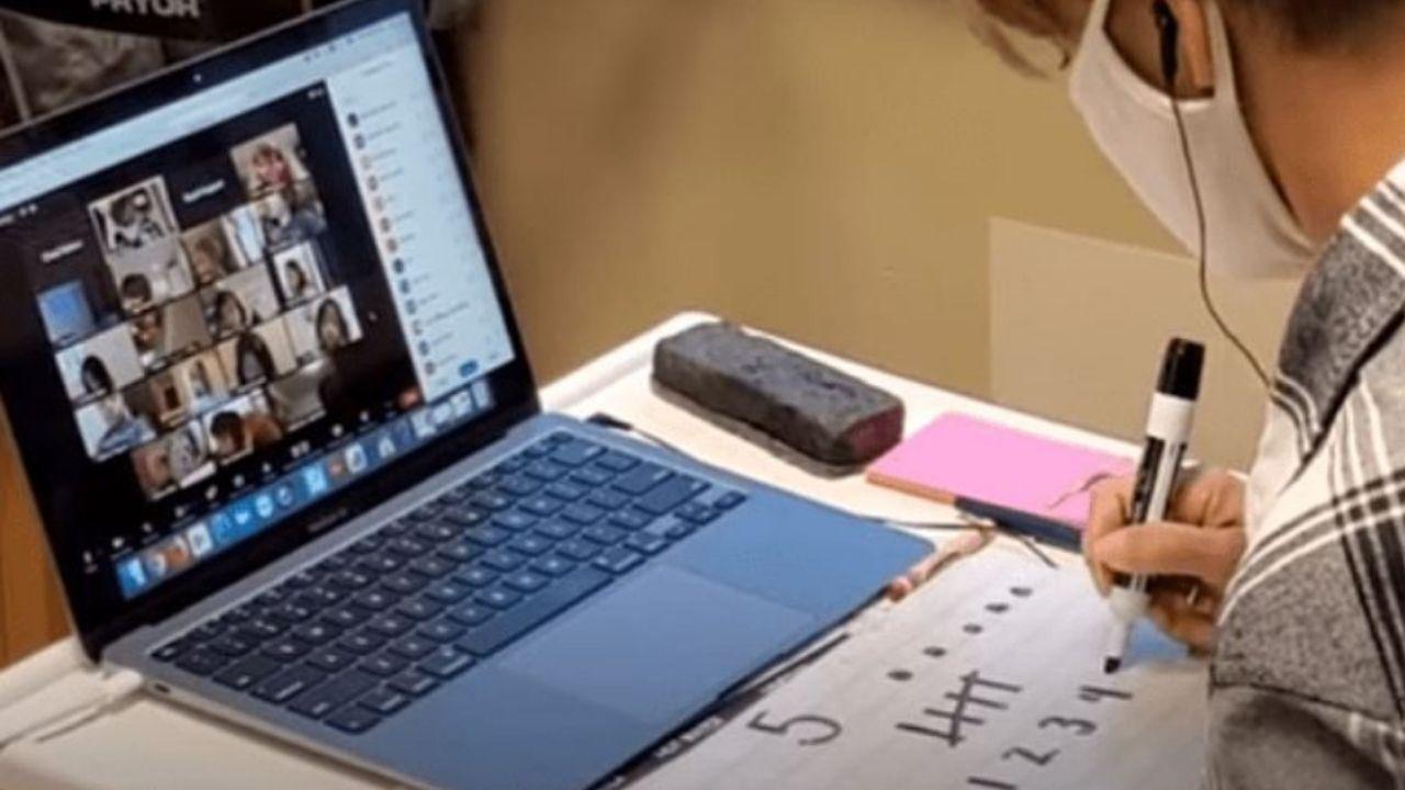 Maestra con cáncer imparte clases virtuales al mismo tiempo que recibe quimioterapias