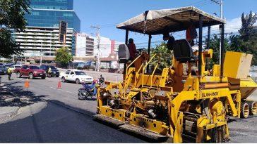 maquinaria pesada trabajando en tegucigalpa, honduras