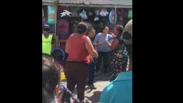 vendedoras se van a los golpes en mercado de valle, honduras