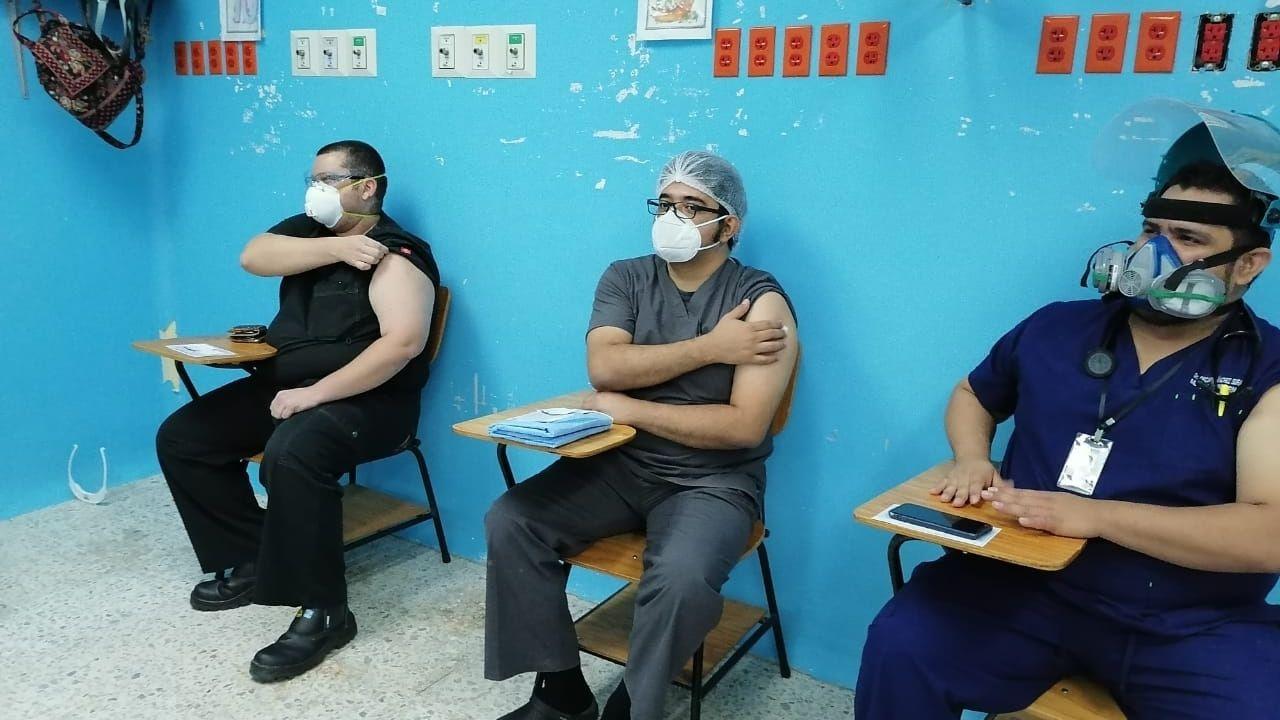Con dosis de Covax se logrará cubrir a todo el personal de Salud: ministra de Salud