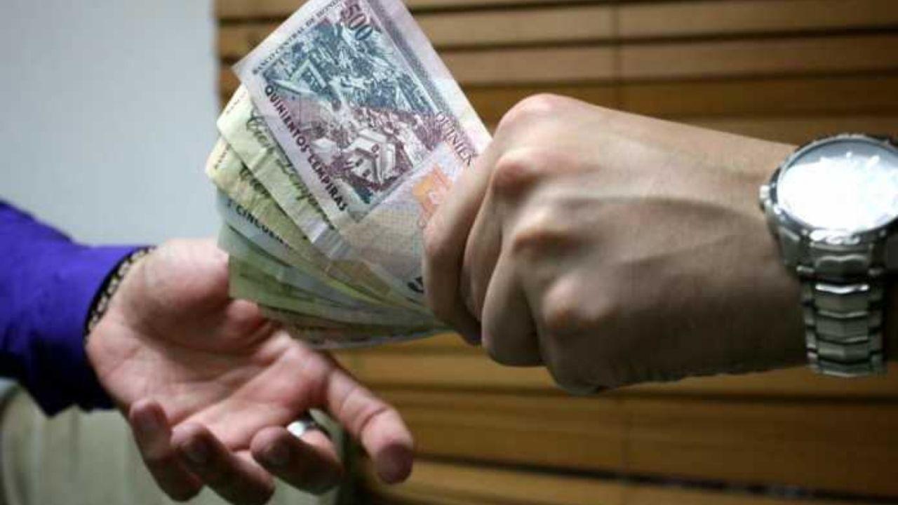 Fosdeh cuestiona inexplicable aumento de hasta 16 mil lempiras en sueldo de funcionarios del Banco Central de Honduras