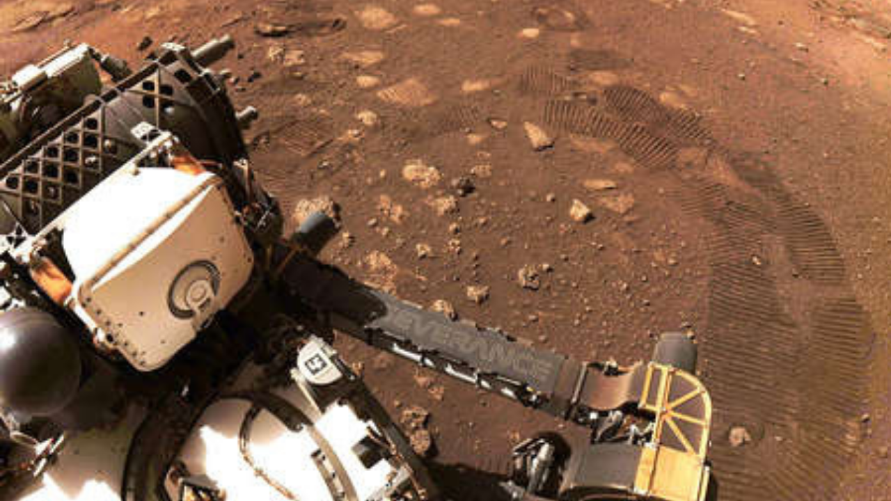 El rover Perseverance da su primer paseo sobre la superficie de Marte
