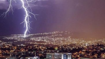 tormenta eléctrica