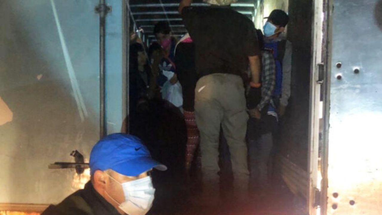 Rescatan a más de 200 migrantes dentro de camión en México; entre ellos varios hondureños