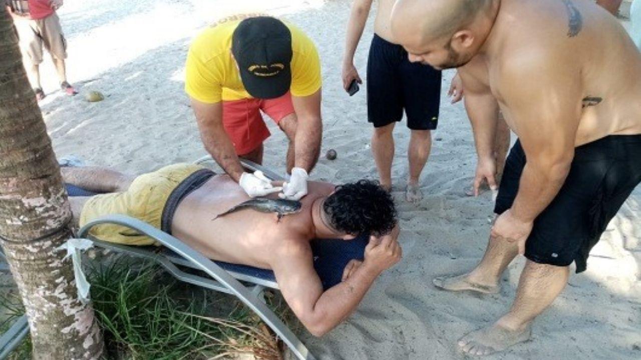 Hondureño fue 'atacado' por un pez vaca mientras bañaba en la playa de Tela