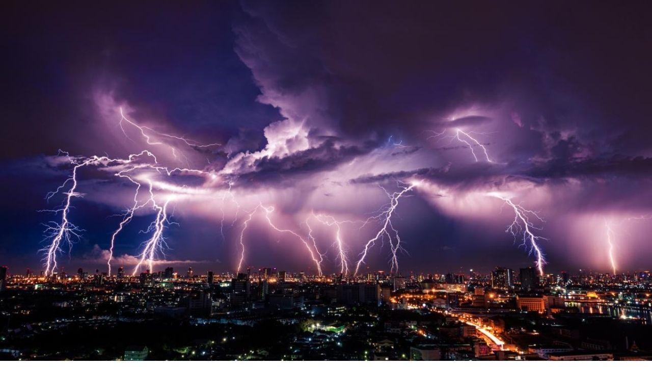 Vídeo capta impresionante tormenta eléctrica en la Riviera Maya