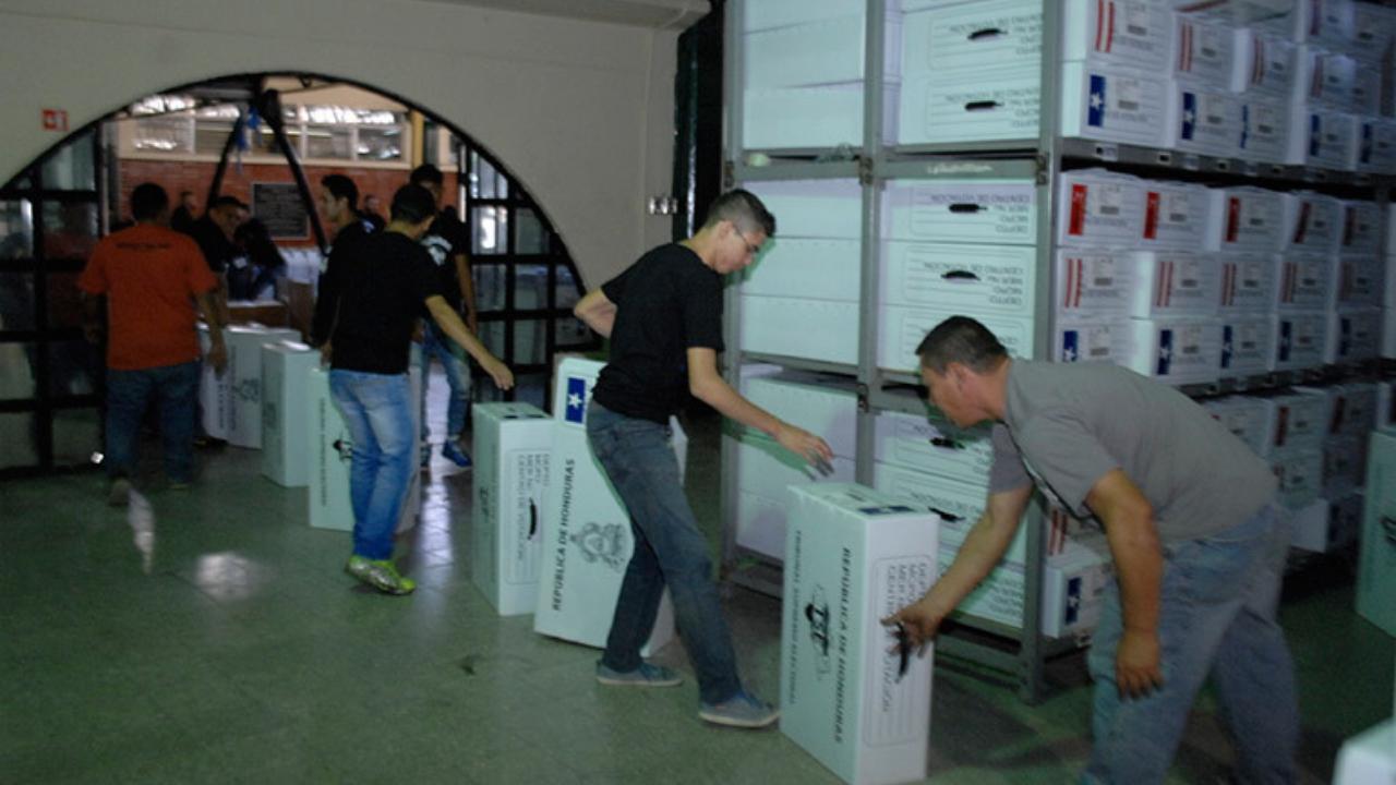 CNE: El lunes inicia el traslado de maletas electorales