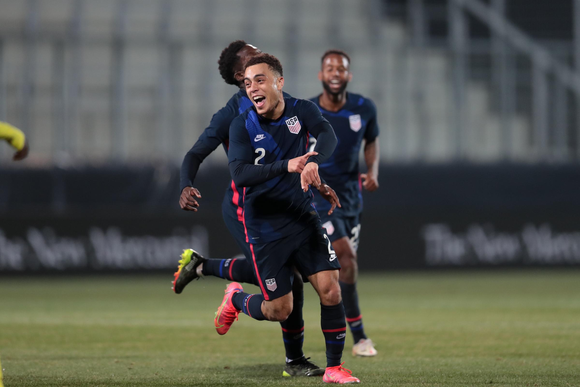 Estados Unidos golea 4-1 a Jamaica en amistoso