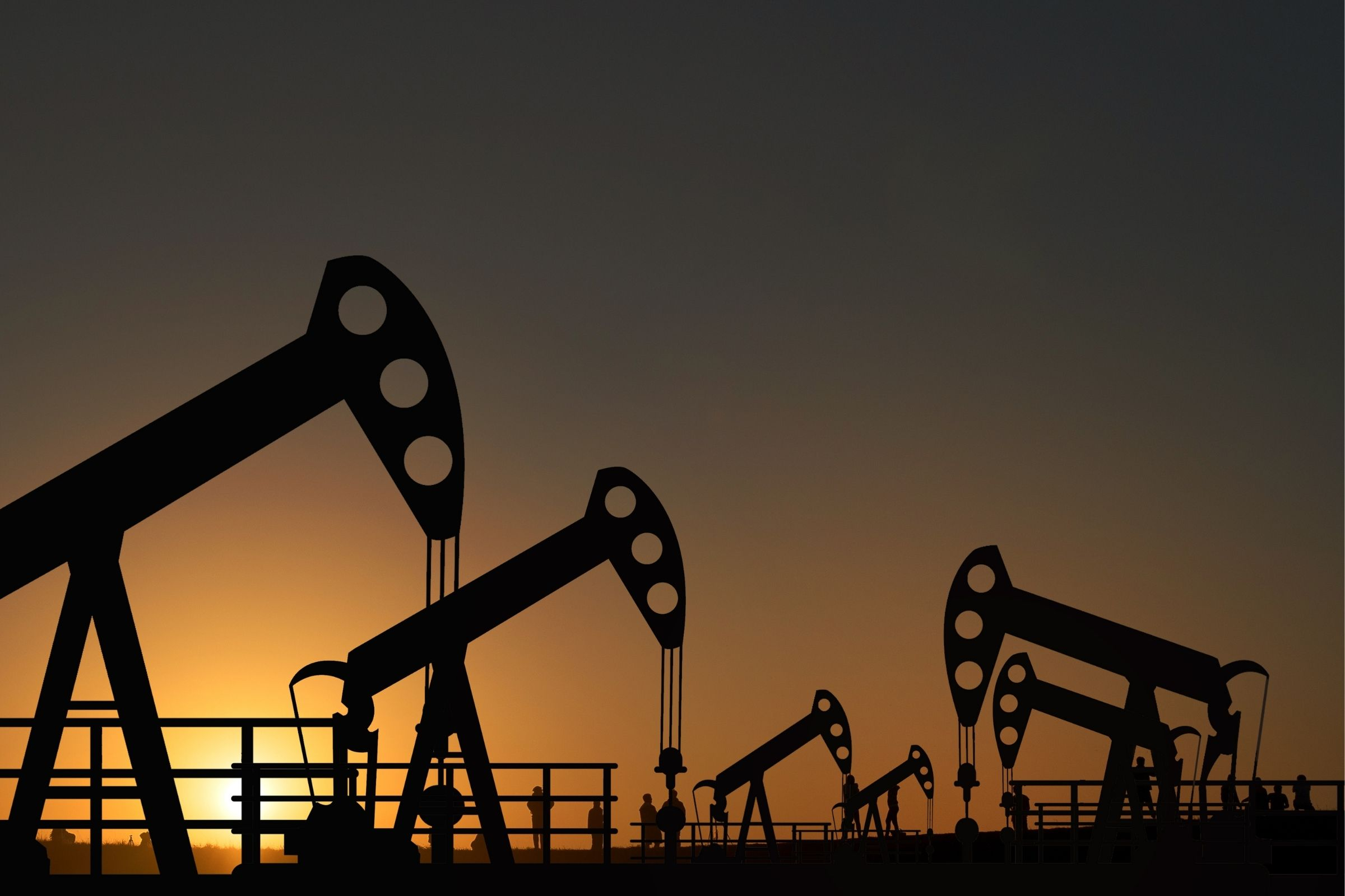 OPEP y aliados deciden aumentar producción crudo a partir de mayo