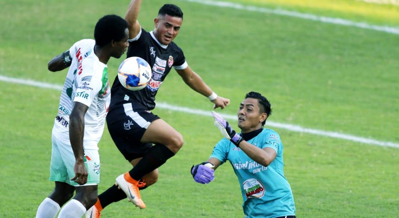 Real Sociedad rescata un empate de 1-1 y sale vivo de su visita a Puerto Cortés