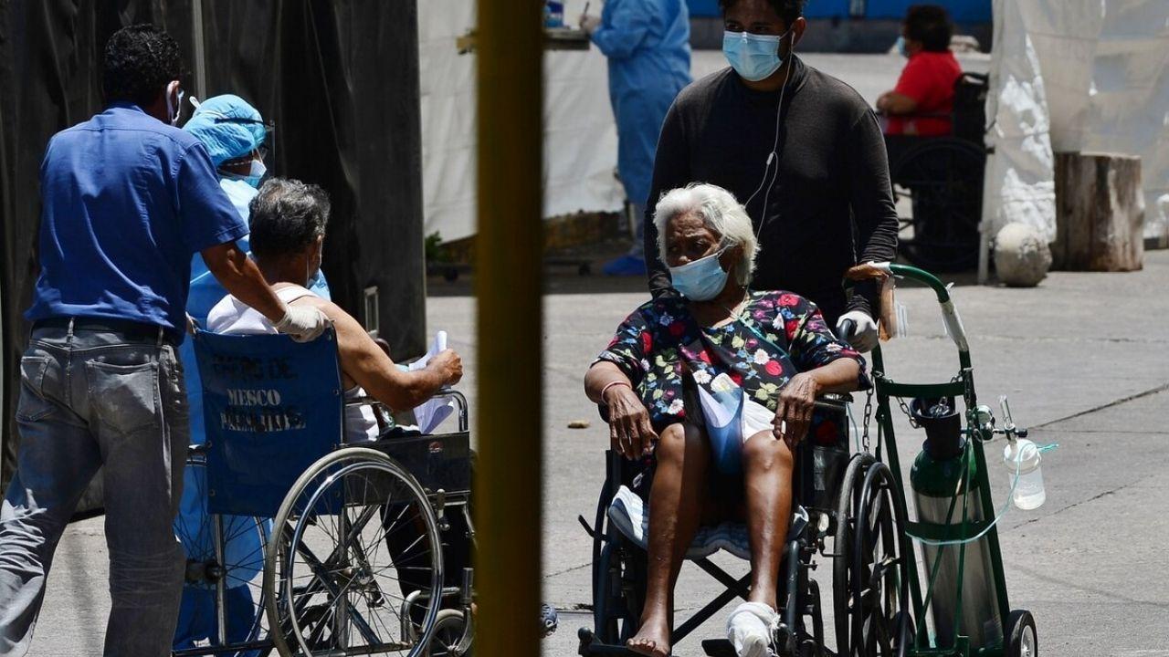 'Se avecina un tsunami de contagios, tocará ir a llorar a El Salvador para que nos regalen vacunas': Jefa de Neumología El Toráx