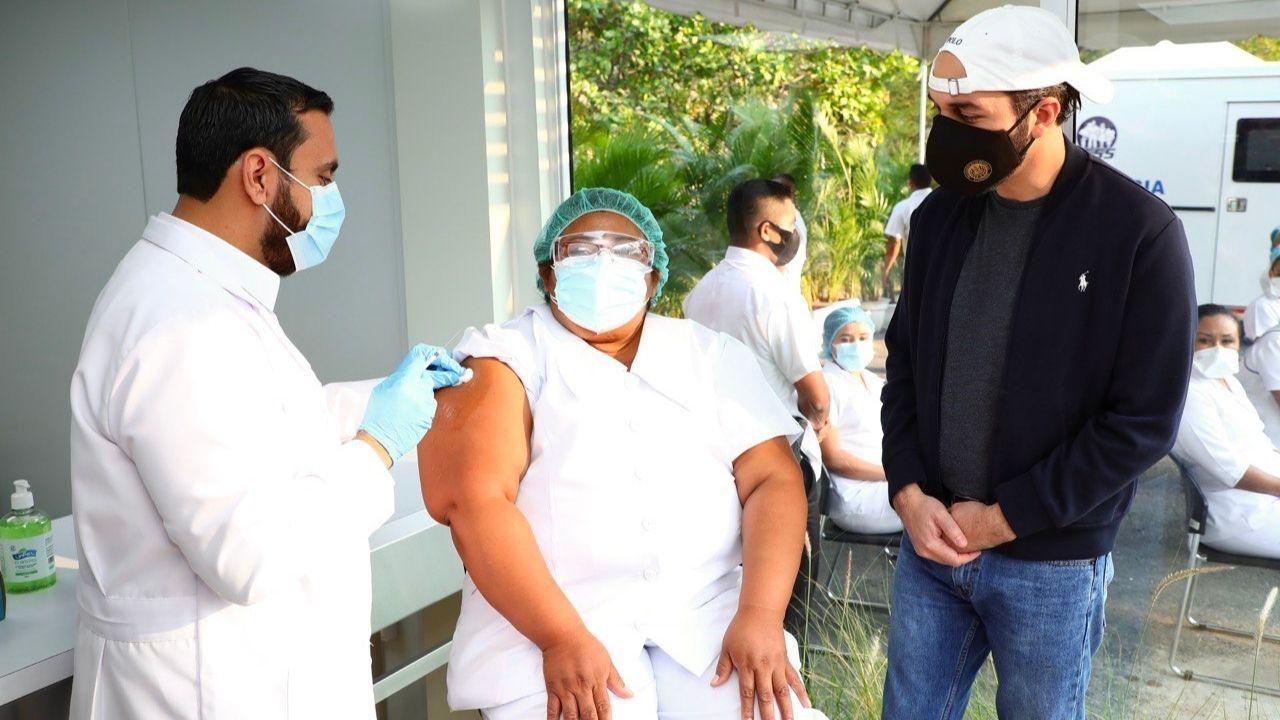 Bukele pondrá en marcha 'Mega Centro de vacunación' para la atención de 10 mil salvadoreños por día