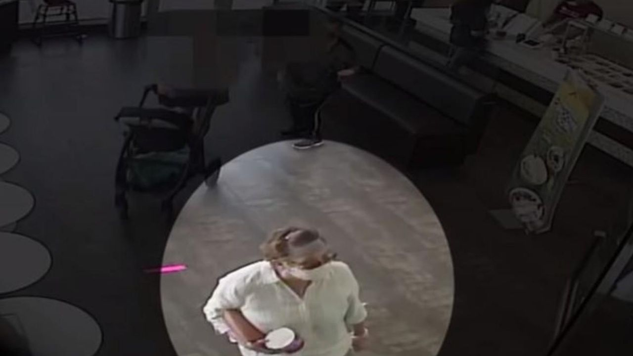 Mujer tosió a la cara de un bebé tras discutir con la mamá del pequeño, todo quedó en video