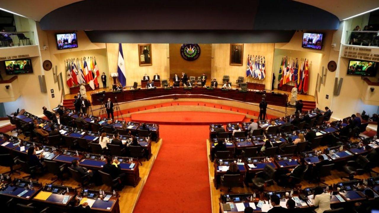 Las lecciones para Honduras de la crisis institucional en El Salvador