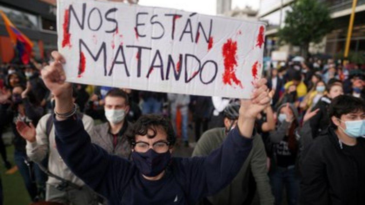 'Nos están matando': las últimas palabras de un activista colombiano antes de recibir 8 disparos durante una protesta