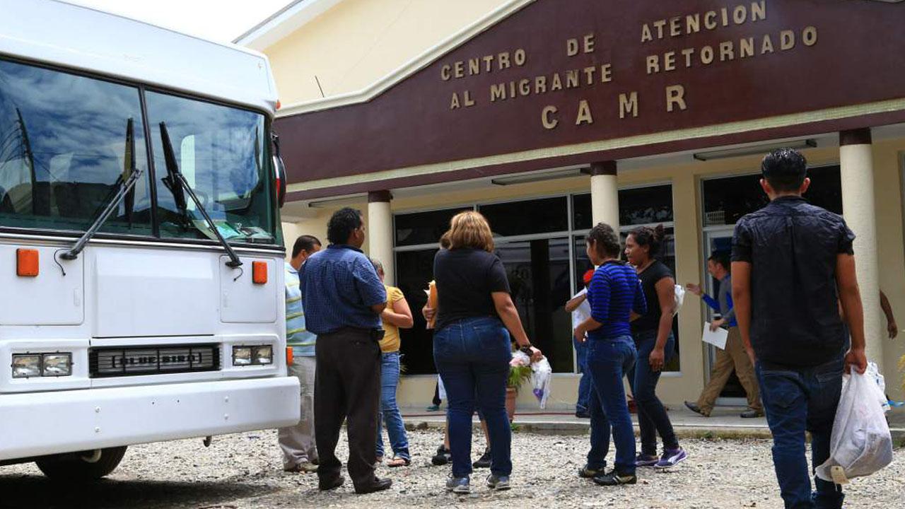 Las deportaciones al Triángulo Norte de Centroamérica caen un 46.8 % en 2021