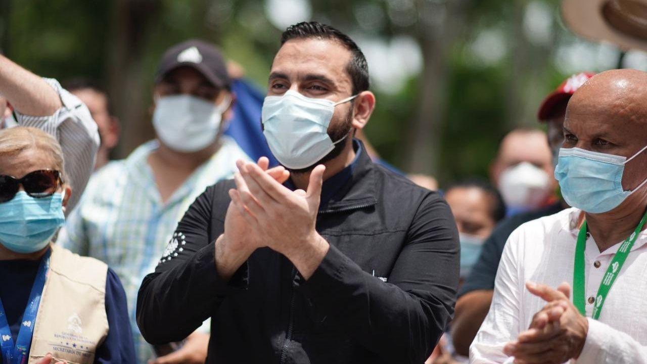 Ministro de Salud de El Salvador 'es un honor como pueblo salvadoreño poder ayudar con humildad a Honduras'