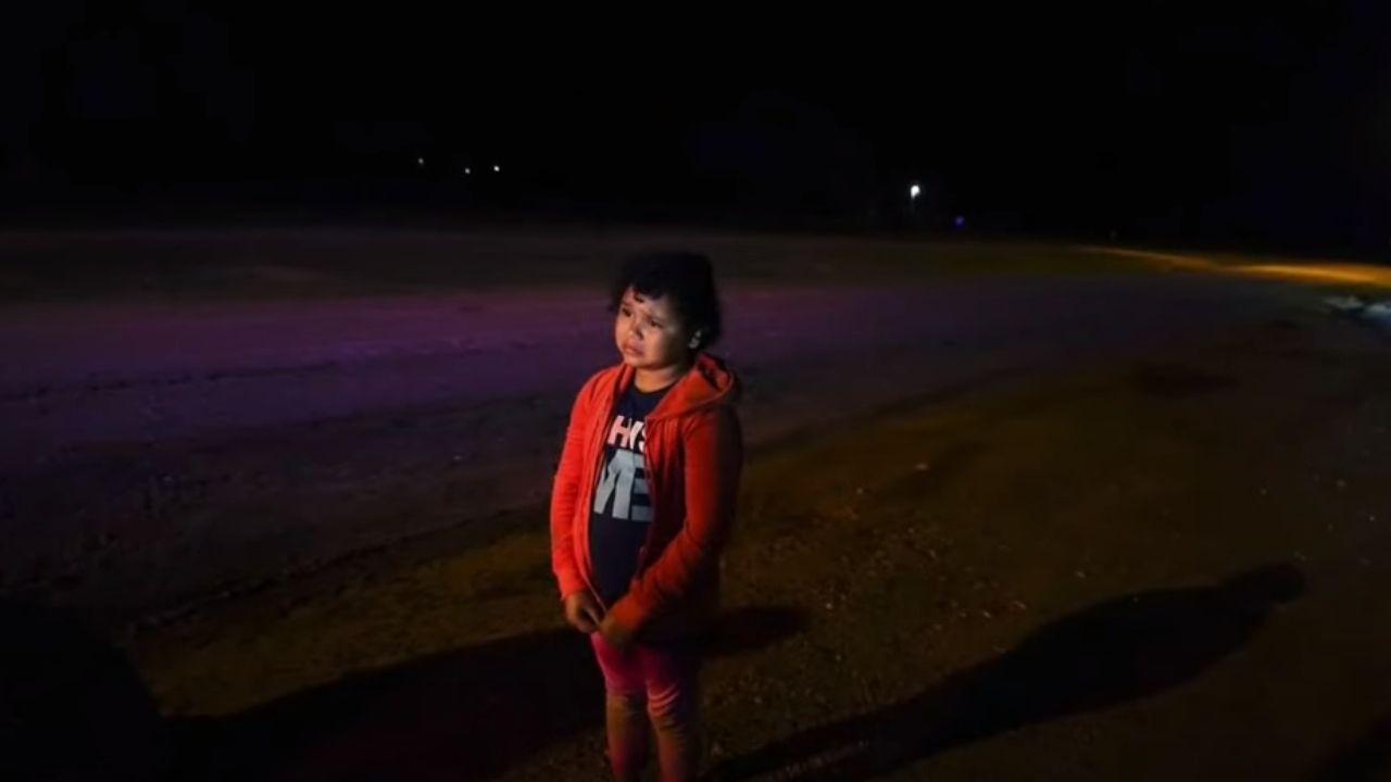 La historia de la niña hondureña que cruzó sola la frontera y se entregó a 'la migra'; su madre se enteró de todo por televisión