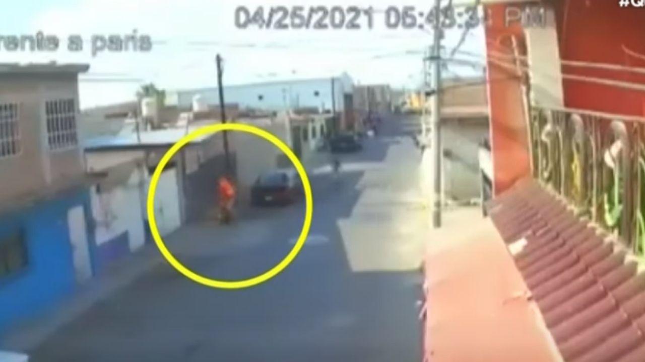¡Crueldad! Joven le prende fuego a anciana indigente en México, el video causa indignación