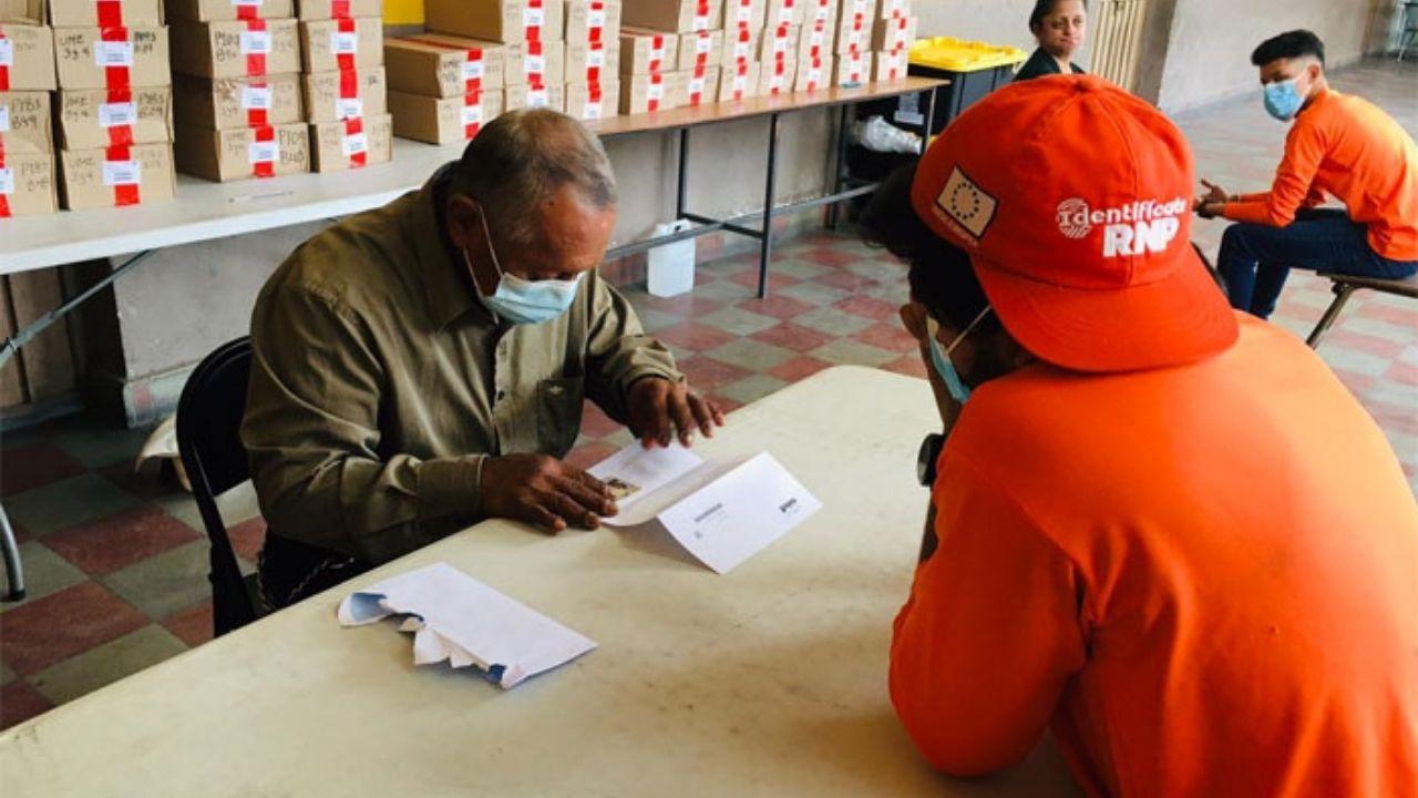 Estos son los 4 centros designados para que los adultos mayores reclamen la nueva tarjeta de identidad en Tegucigalpa