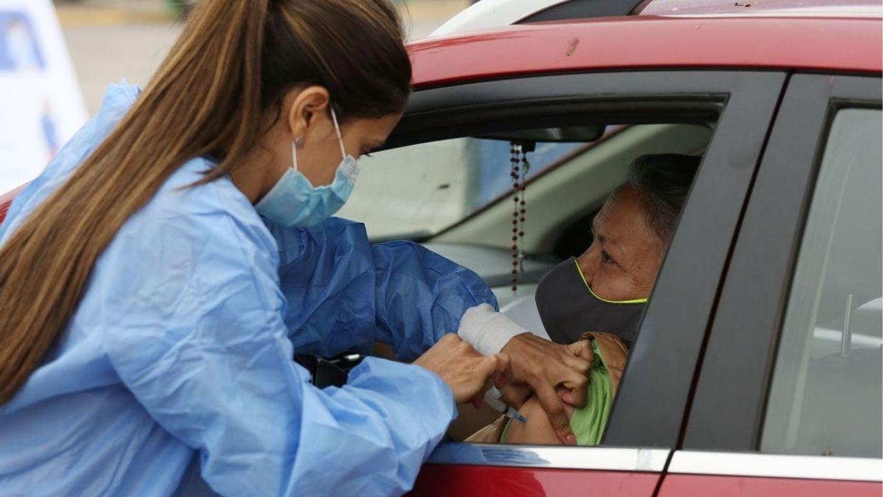 La próxima semana se anunciará dónde los adultos mayores se podrán vacunar contra el covid sin bajarse del carro en Honduras