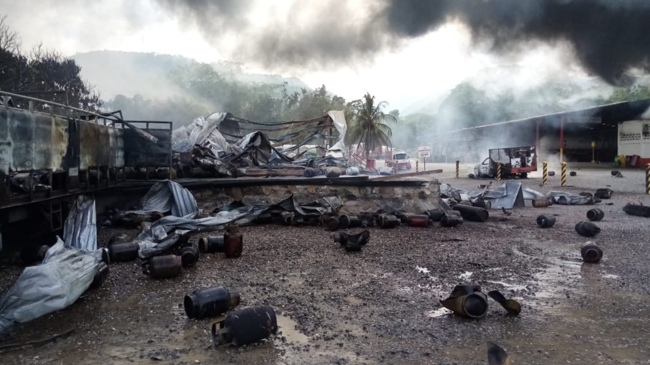 Múltiples explosiones en planta de gas LPG en Villanueva, Cortés