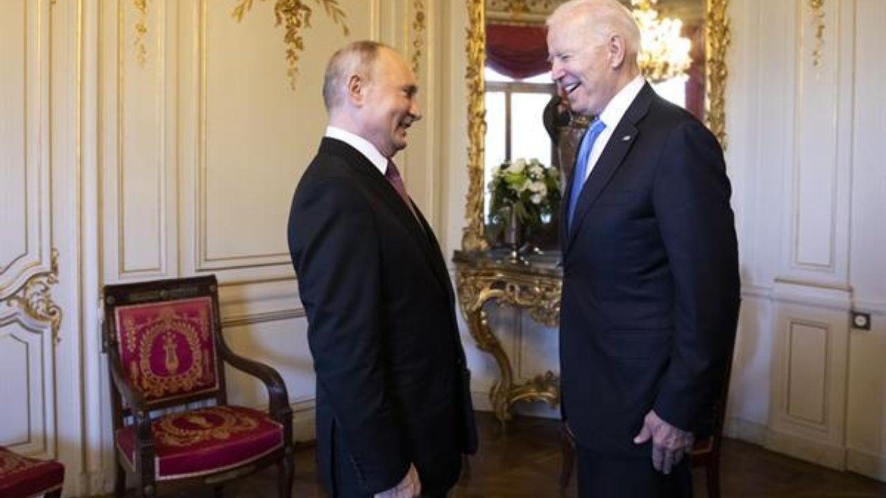 Joe Biden avisó a Putin que si muere el opositor ruso Navalni las consecuencias serán devastadoras