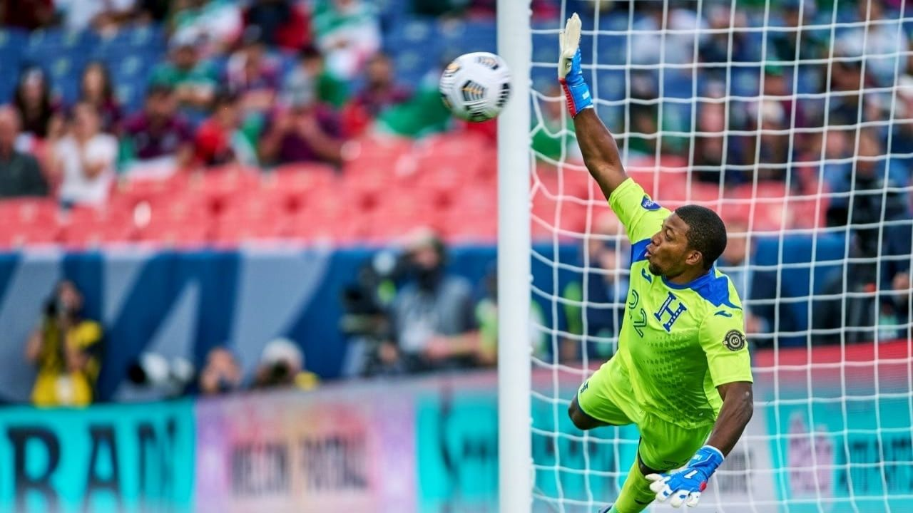 Luis 'Buba' López, elegido por Concacaf como mejor portero de la Liga de Naciones