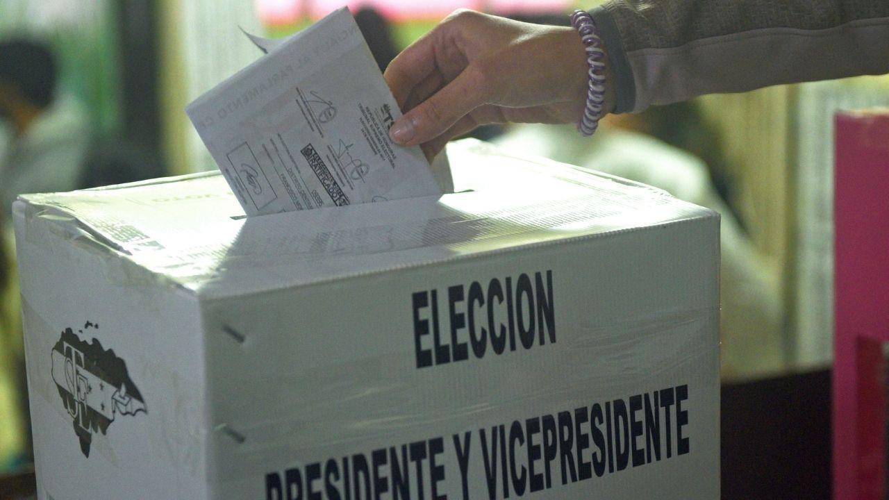 Elecciones Honduras: Políticos vuelven a sus 'jugadas' y plantean reformas para permitir 'negocios' en las mesas