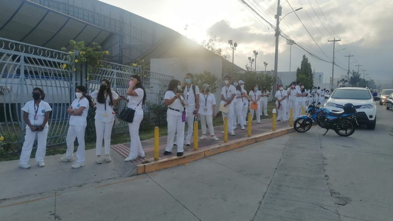Inicia jornada de vacunación contra el covid para docentes y estudiantes hondureños de estas carreras universitarias
