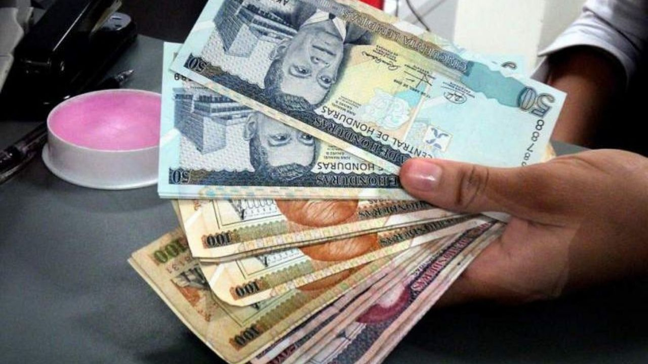 Brecha entre salario mínimo e ingresos en sector privado en Honduras se profundizó entre 25 y 30 por ciento