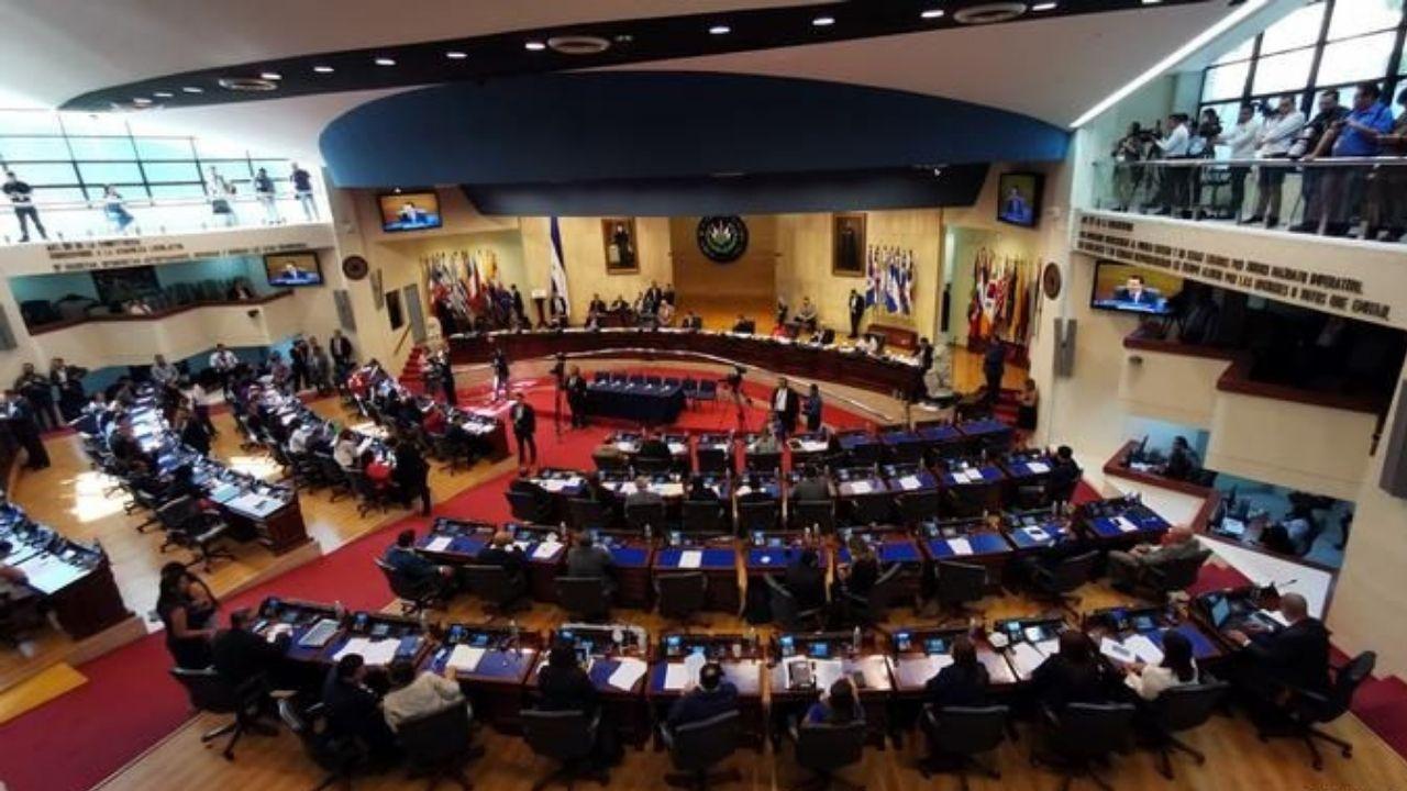Piden a OEA que publique información sobre casos de corrupción en El Salvador