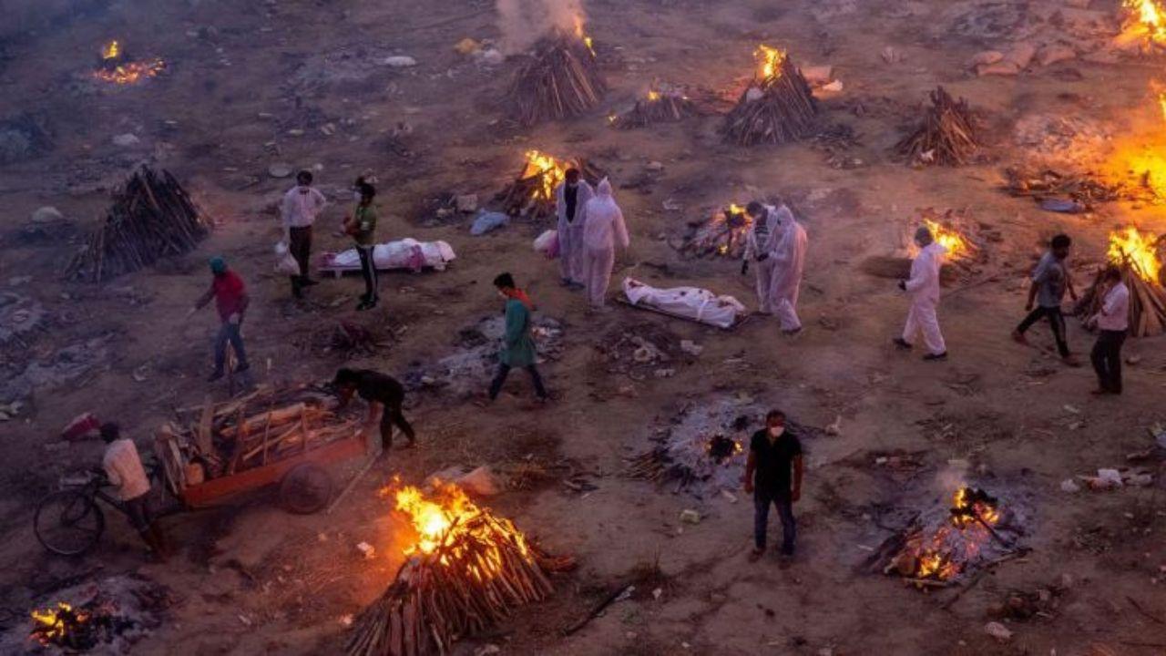 Se multiplican las muertes por covid- 19 en la India, revela estudio