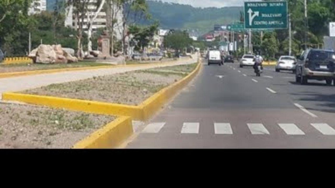 Mira cómo termina discusión de dos conductores hondureños en bulevar Suyapa, Tegucigalpa