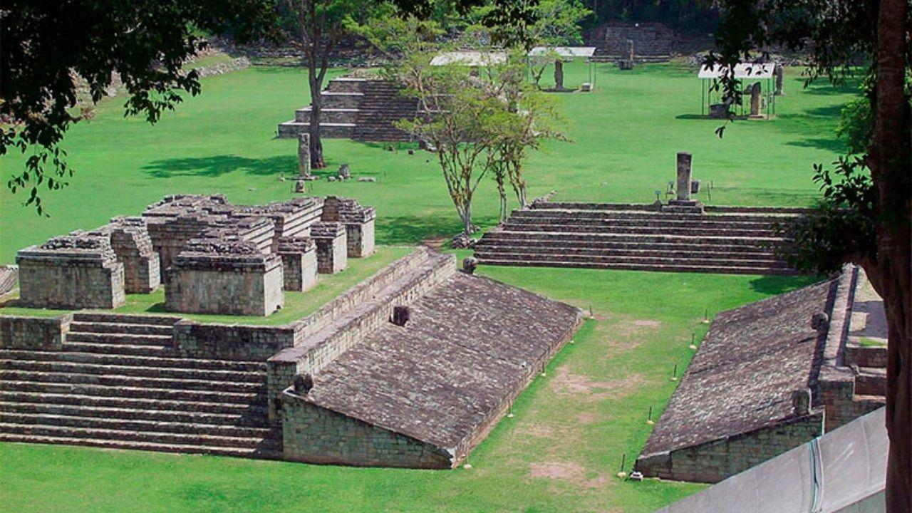 Japón dona a Honduras 15 millones de lempiras para recuperar parque maya en Copán, devastado por Eta y Iota