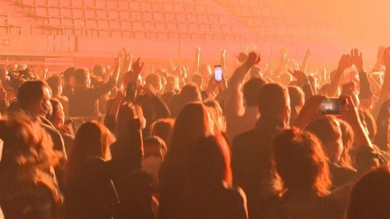 Reino Unido pedirá estar vacunado para ir a discotecas o eventos desde septiembre
