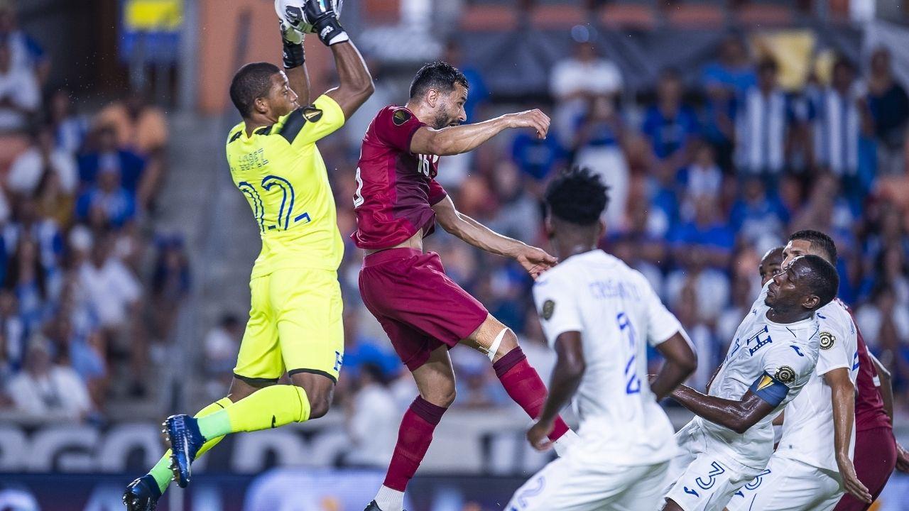 Honduras perdió el liderato de grupo ante Catar y se medirá a México en los cuartos de final de la Copa Oro 2021