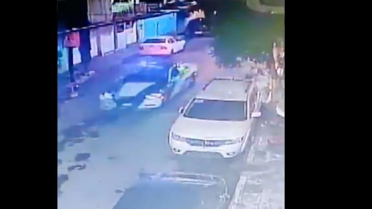 Vídeo capta muerte de dos jóvenes en plena persecución policial; iban tres en una moto