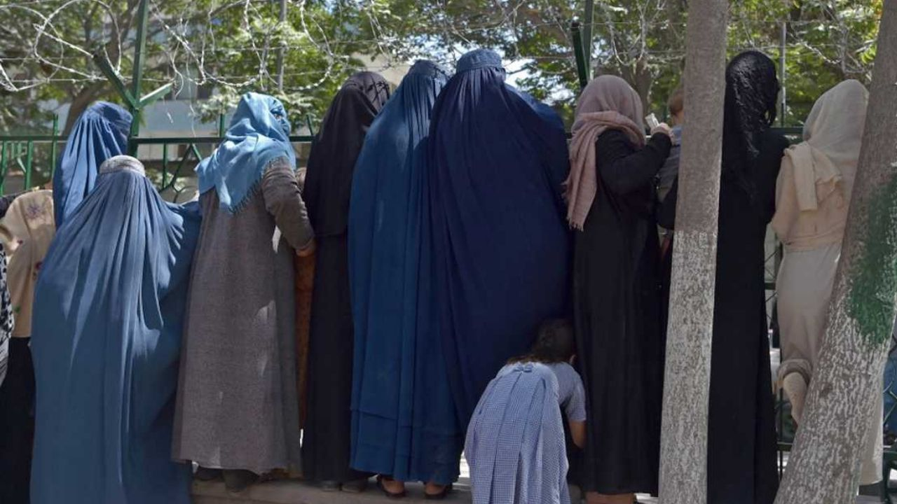 Video: El grito desesperado de mujeres a soldados estadounidenses pidiendo salir de Afganistán