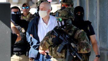 el narcotraficante eduardo arrelano felix custodiado por agentes mexicanos