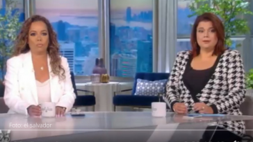 na Navarro y Sunny Hostin, presentadoras de The View