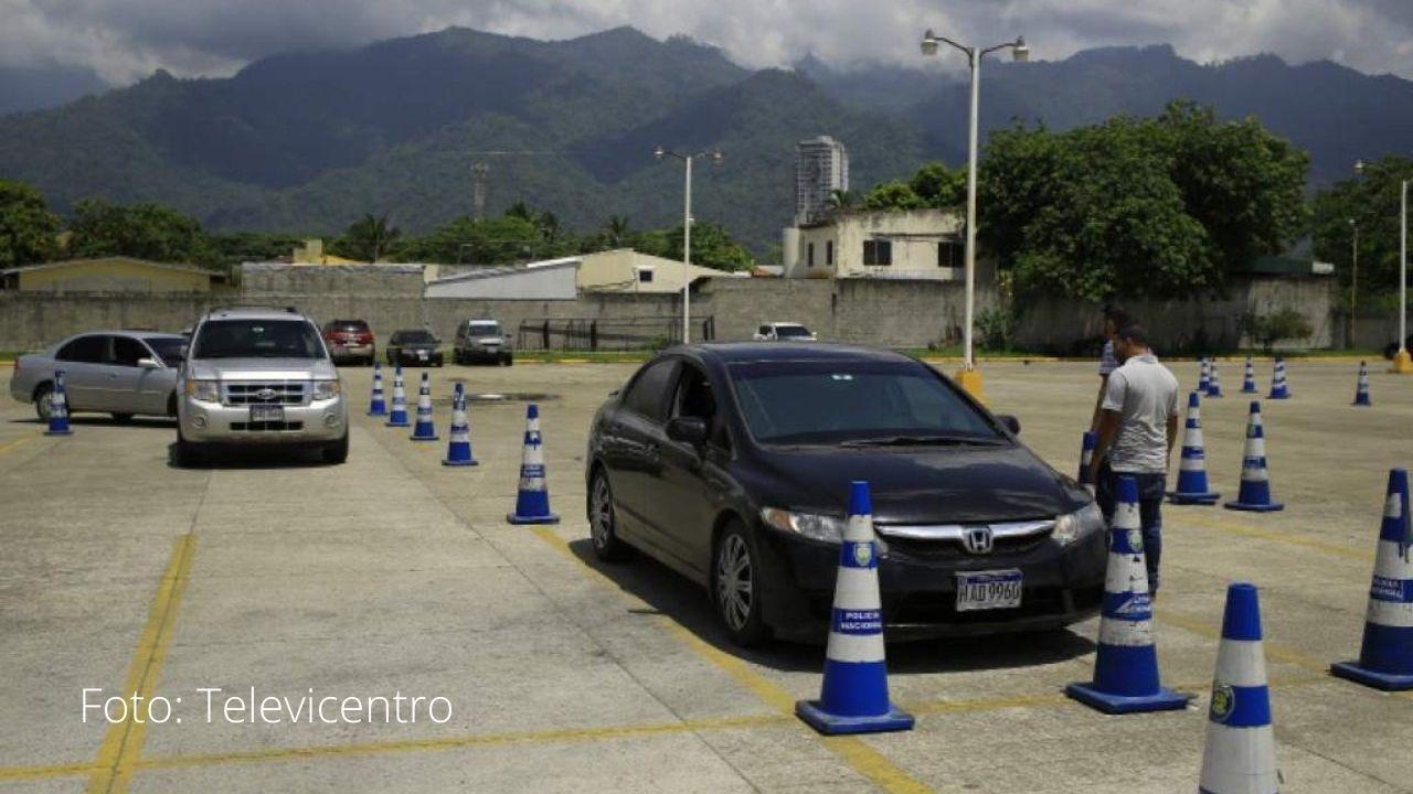 Tránsito anuncia modificación en prueba de conducir para solicitar licencia por primera vez