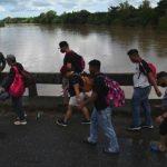 migrantes hondureños de camino hacia estados unidos