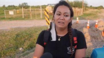 mujer policía de El Salvador con rostro de susto en dialogo con medios de comunicación de camino dentro de los estados unidos, en donde huyó de las pandillas