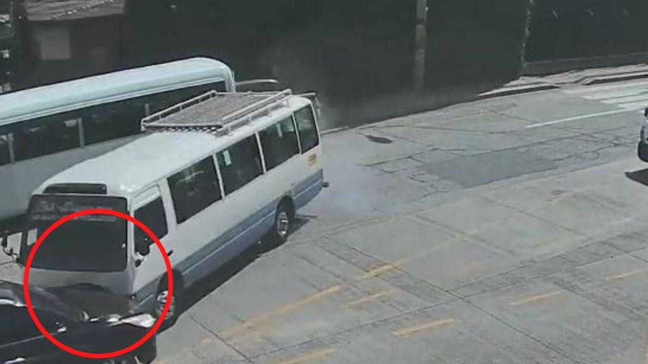 Vídeo del 911 muestra accidente de rapidito que iba a exceso de velocidad en Tegucigalpa