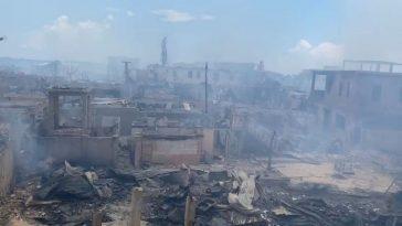 casas destruidas en pavoroso incendio en Guanaja