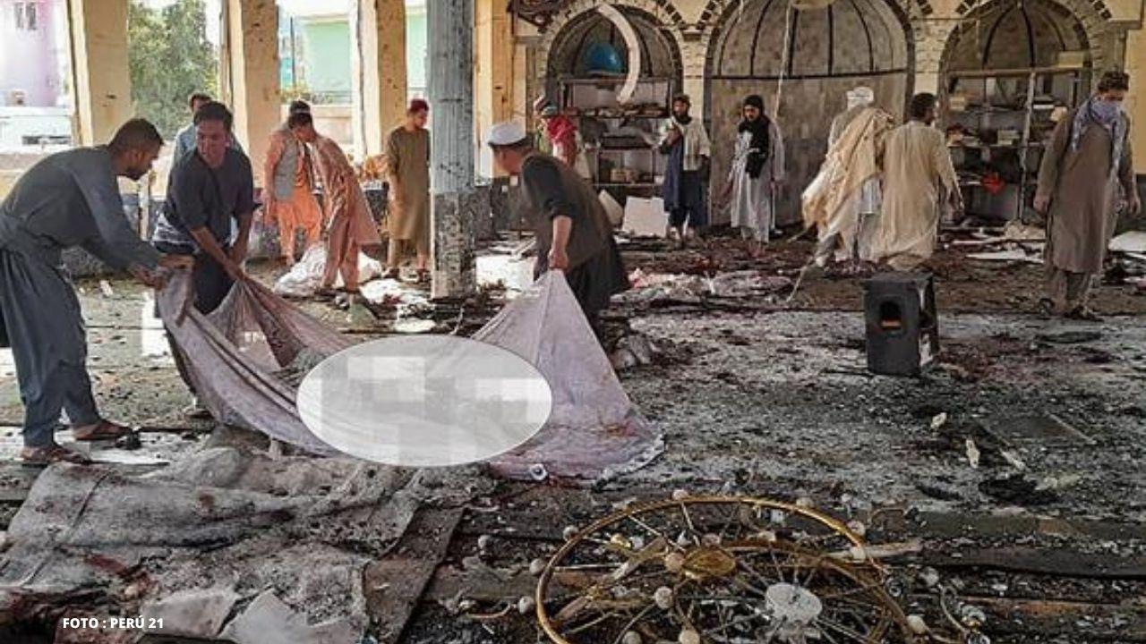 Al menos 80 muertos y 100 heridos en un atentado en una mezquita afgana