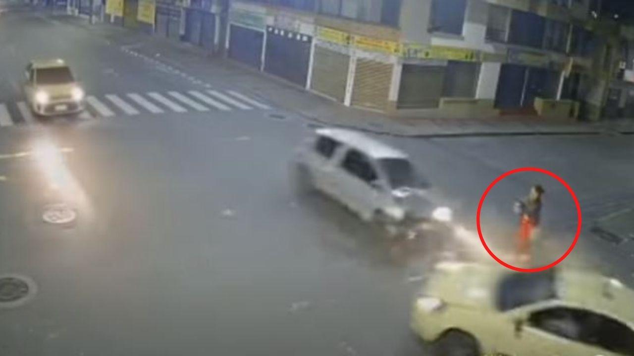 Mujer se salvó milagrosamente de morir tras quedar en medio de un accidente vial