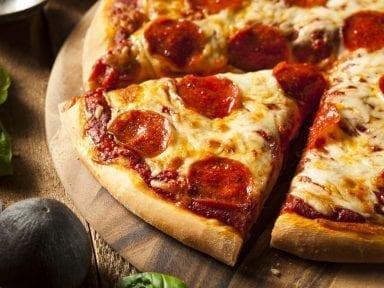 ¿Puedes lograr una puntuación perfecta en este quiz de ingredientes de pizza?
